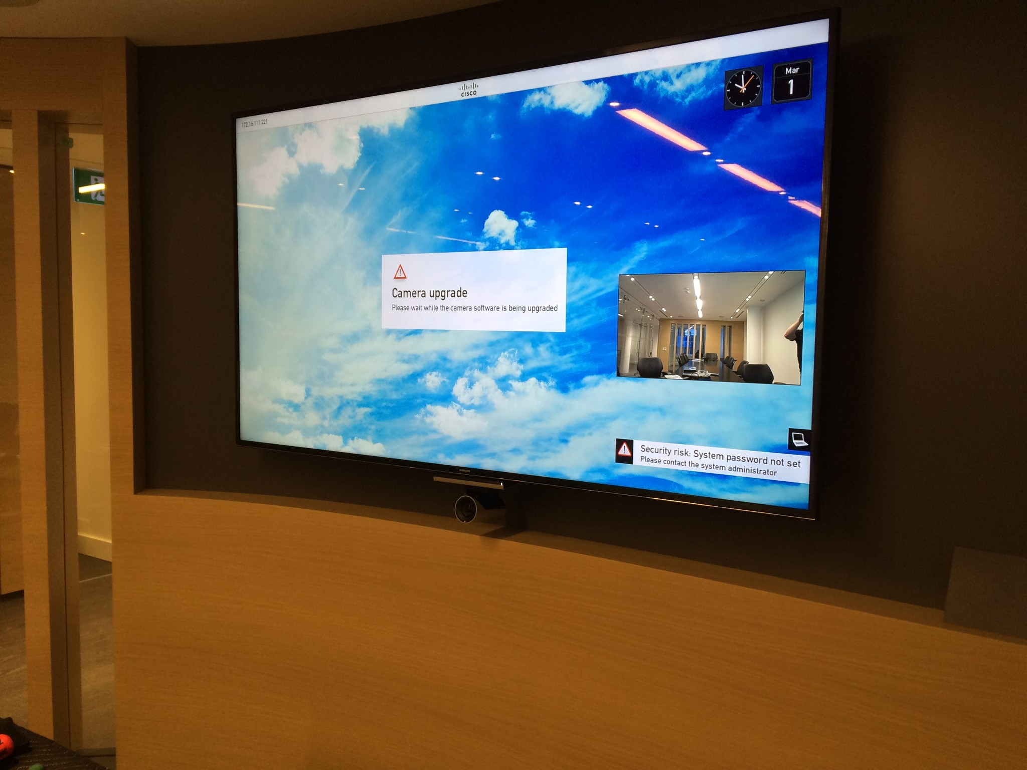 Meeting Room – Screen mounted on curved wall